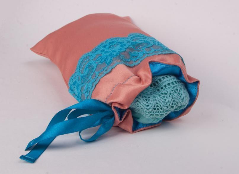 Мешочек персик с голубым, отделка кружевом Мешочки.